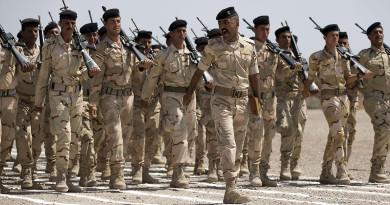 A new batch of Iraqi soldiers graduates.