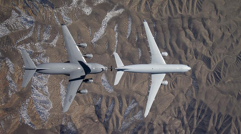 A Royal Australian Air Force KC-30A Multi-Role Tanker Transport refuels a United States Air Force C-17A Globemaster III transport. USAF photo