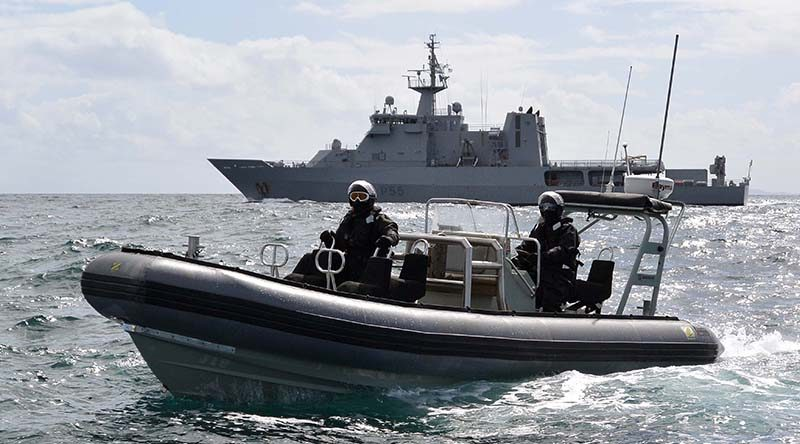 New Zealand has deployed offshore patrol vessel HMNZS Wellington and a P-3K2 Orion to carry out maritime and aerial surveillance patrols in the Southern Ocean. NZDF photo.