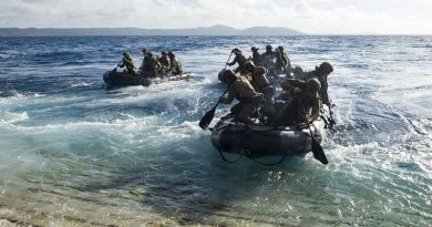 2RAR soldiers depart the well deck of USS Green Bay in combat rubber raiding craft during Talisman Saber 17. US Navy photo by Mass Communication Specialist 3rd Class Sarah Myers.