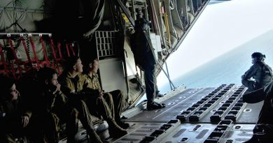 6 Wing cadets and staff enjoy a rare view of Gulf St Vincent from a C130J. Image by PLTOFF (AAFC) Paul Rosenzweig