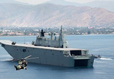 HMAS Adelaide delivers role-2 portable hospital to Dili