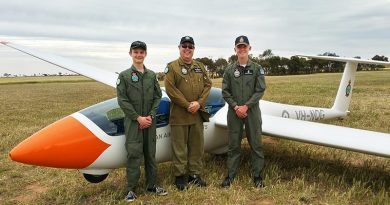 PLTOFF (AAFC) Dennis Medlow (centre) with two cadets who achieved solo status in the DG-1000S glider during a 6 Wing Gliding Camp at Balaklava on 6 October – CCPL Tomasz Kocimski (left) and CCPL Benjamin Dunk. Image supplied by No 600 Aviation Training Squadron