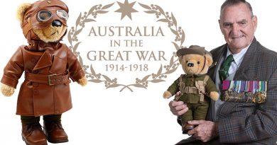 Bears to Schools National Ambassador Keith Payne VC, with Private Earnest Harvey, the Gallipoli Bear and, left, Lieutenant Thomas Hendy, The Australian Flying Corps Bear.