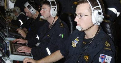 Leading Seaman Accoustic Warfare Analyst Underwater Controller 2nd in charge (LSAWA U/C2) Andrew Hume at a sonar console on HMAS Farncomb. Photo by Able Seaman Lincoln Commane.