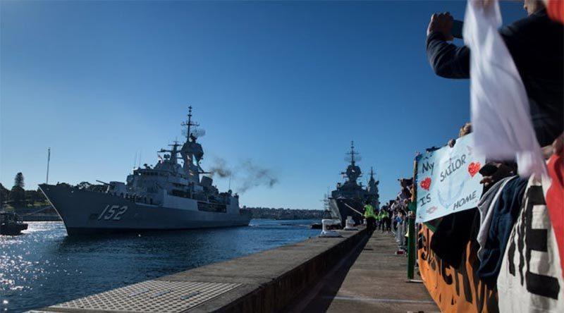 HMAS Warramunga arrives at Fleet Base East, Garden Island, Sydney, after a record-breaking deployment. Photo by Leading Seaman Kayla Jackson.