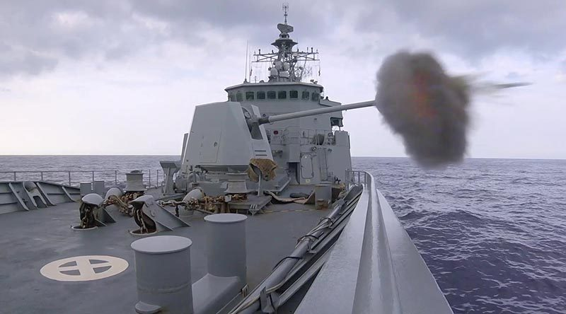 HMNZS Te Mana fires her 5-inch gun during gunnery competition at RIMPAC. NZDF photo.