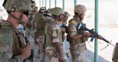 A New Zealand Army soldier observes as Baghdad Fighting School instructors train members of the Iraqi Army's 41st Brigade during a live-fire range practice at Taji Military Complex, Iraq. ADF photo.
