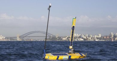 OCIUS Bluebottle on port tack in moderate winds, Sydney Harbour (May, 2015)