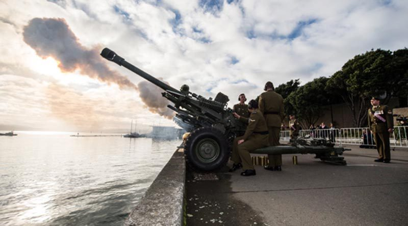 16th Field Regiment of the Royal Regiment of the New Zealand Artillery fire a 100-Gun Salute to mark the 100th Anniversary of the Beginning of the First World War (2014). The same guns and the same regiment will fire a 100-gun salute at 10.50am on 11 November 2018 to mark the end of WWI. NZDF photo.