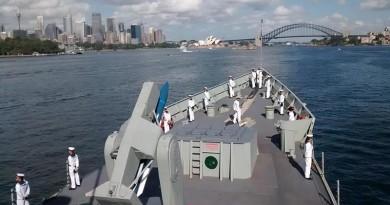 Photo courtesy HMAS Melbourne