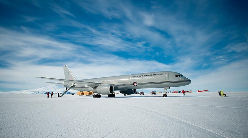 RNZAF Boeing lands at Pegasus Airfield on the Ross Ice Shelf during it's maiden flight to Antarctica. NZDF photo
