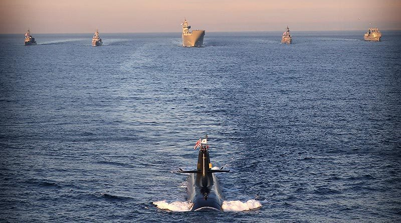 JS Hakuryu leads (l-r) JS Asayuki, HMAS Ballarat, HMAS Adelaide, JS Umigiri and HMAS Success in formation on approach to Sydney during Exercise NICHI GOU TRIDENT. Photo by Leading Seaman Nina Fogliani