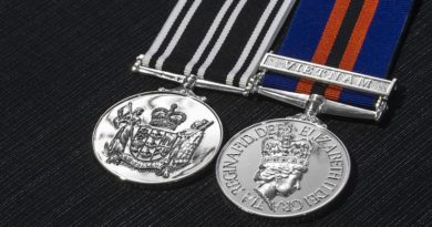 "The New Zealand Operational Service Medal (left) and the New Zealand General Service Medal with clasp ""Vietnam"" (right)."