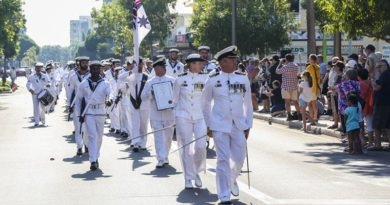 The crew of HMAS Darwin march through the main street of Darwin while exercising their right to Freedom of Entry. Photo by Able Seaman Sarah Ebsworth