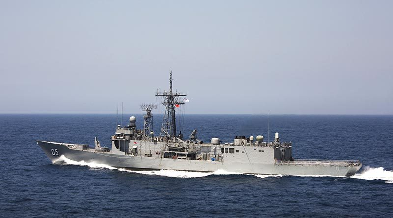 HMAS Melbourne departs Sydney Harbour to participate in Exercise Ocean Raider. Photo by Leading Seaman Sarah Williams.