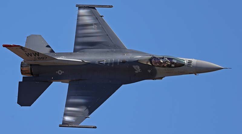 A US Air Force F-16 Viper part of the F-16 demonstration team from Misawa Air Base, Japan, at the Australian International Airshow, 2017. Photo by Daniel McIntosh.