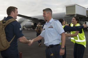 Air Commodore Darryn Webb farewells members of a 30-member contingent leaving RNZAF Base Whenuapai on a trip that will take them to the Middle East to support New Zealand, Australian, and coalition operations. NZDF photo.