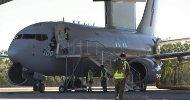 An RAAF student of the Air Warfare Instructor Course arrives at the No 2 Squadron E-7A Wedgetail to begin another mission from RAAF Base Tindal in the Northern Territory during Exercise Diamond Storm 2017. Photo by Sergeant Andrew Eddie.