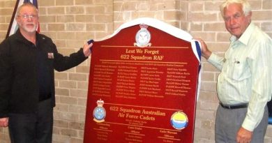 Merv Schopp, President of Murray Bridge RSL (left) and Bob Lewis, representing Mannum RSL, unveil the 622 Squadron RAF and 622 Squadron AAFC Honour Board. Image contributed by 622SQN