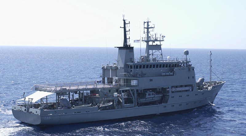 HMAS Melville. Photo by Petty Officer Kev Bristow.