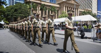 Soldiers from the 2nd/14th Light Horse Regiment (Queensland Mounted Infantry) exercise Freedom of Entry March in Brisbane. Photo by Oliver Carter.