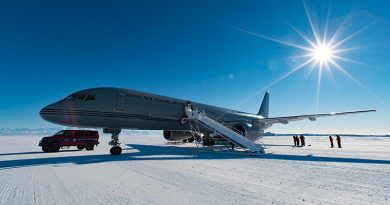 Ninety New Zealand and American scientists and support staff and 12.5 tonnes of payload were flown to Antarctica today as the New Zealand Defence Force began its annual airlift support mission to the world's most important natural laboratory.