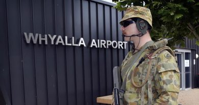 A Royal Military College first class Staff Cadet helps secure Whyalla Airport during a fictional escort mission. Photo by Sergeant W Guthrie.
