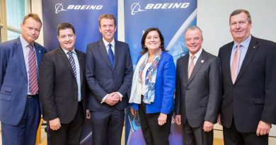 Patrick Kidd, CEO, Invictus Games; James Baker, Boeing Australia –Veterans Champion; Dan Tehan, Minister of Veterans Affairs; Maureen Dougherty, President, Boeing Australia, NZ & South Pacific; Brendan Nelson, AWM; Lieutenant General Peter Leahy (retd) representing Soldier On, and Chair of Invictus. Photo supplied by Boeing.