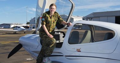 Leading Cadet Jade Curwood of No 613 Squadron, AAFC (RAAF Edinburgh) prepares to board a Diamond DA-40 for a free trial instructional flight. Photo by Flying Officer (AAFC) Paul Rosenzweig
