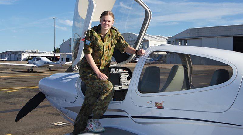 Leading Cadet Jade Curwood of No 613 Squadron, AAFC (RAAF Edinburgh) prepares to board a Diamond DA-40 for a free trial instructional flight. Photo by Flying Officer (AAFC) Paul Rosenzweig