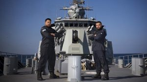Royal New Zealand Navy sailors Leading Seaman Te Orangapumau Elia (left) and Able Seaman Daniel Peihopa on HMAS Warramunga. Photo by Leading Seaman Tom Gibson.