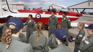 Air Force Flight Camp for Young Women participants chat with Flight Lieutenant Belinda Beatty from No 2 Flying Training School. Photo by Sergeant Pete Gammie.