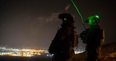 Australian Army Guardian Angels provide security for British mentors at the Afghan National Army Officer Academy during a night-ambush training activity. Photo by Warrant Officer Class 2 Neil Ruskin.
