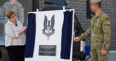 Minister for Defence Marise Payne and Commanding Officer Special Air Service Regiment unveil a plaque marking the official opening of the new facilities at Campbell Barracks, Swanbourne, Perth. Photo by Corporal Nunu Campos.