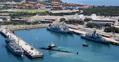 HMAS Stirling, Western Australia. Photo by Chief Petty Officer Damian Pawlenko.