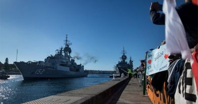 HMAS Warramunga arrives at Fleet Base East, Garden Island, Sydney, after a record-breaking deployment. Photo by Leading Seaman Kayla Jackson.