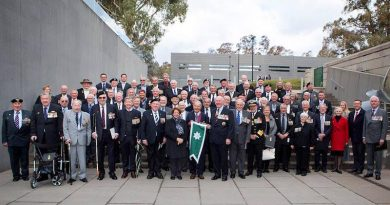 Members of Helicopter Flight Vietnam at the Australian War Memorial, Canberra, after the presentation of Unit Citation for Gallantry with guests including Governor General Sir Peter Cosgrove, Minister for Veterans' Affairs Darren Chester and former CN Vice Admiral Tim Barrett. RAN photo.