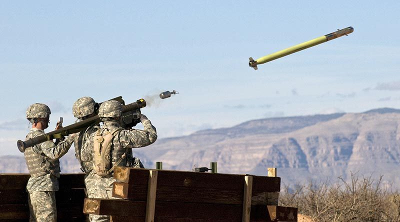 US Army soldiers fire a Stinger shoulder-launched air-defence missile. US Army photo.