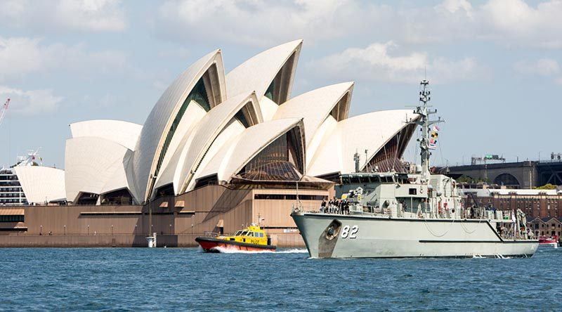 HMAS Huon sails through Sydney Harbour to begin a north-east Asia deployment. Photo by Able Seaman Tara Byrne.