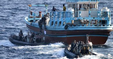 HMAS Ballarat's boarding party conduct a boarding of a suspicious dhow. Photo by Leading Seaman Bradley Darvill.