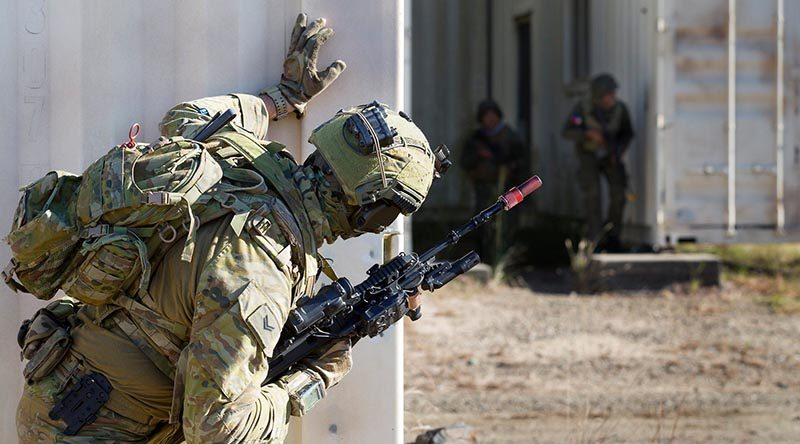 An 8/9RAR soldier participates in urban operations training with Philippine soldiers at Shoalwater Bay. Photo by Corporal Kennedy of Charlie Company, 8/9RAR.