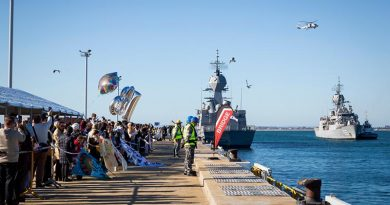 Families and friends welcome home HMAS Ballarat at Fleet Base West, Western Australia, after her nine-month deployment on Operation Manitou. Photo by Leading Seaman Kylie Jagiello.
