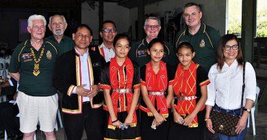 National Malaya-Borneo Veterans Association of Australia members at at Sekolah Kebangsaan Suba Buan. Photo supplied by Major (retd) Paul Rosenzweig.