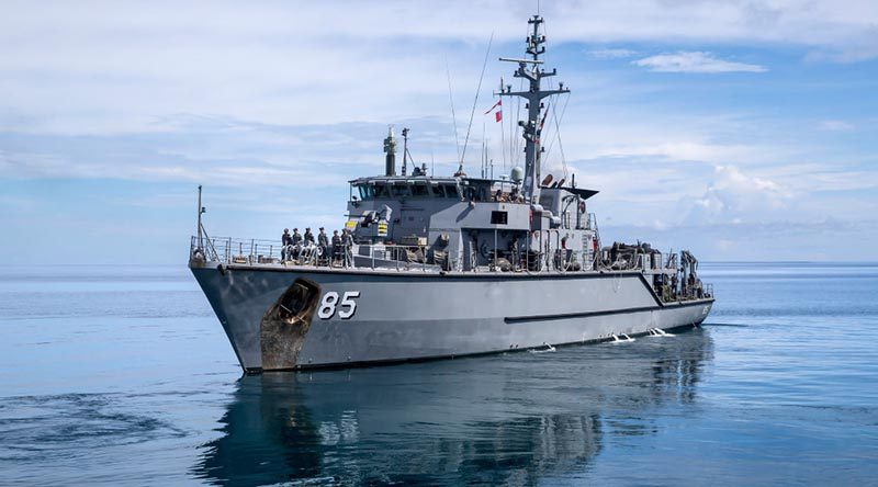 HMAS Gascoyne leaves Tuvalu on completion of its engagement with the Funafuti community as a part of Task Group 637.1. Photo by Leading Seaman Craig Walton.