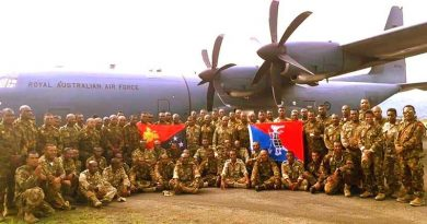 Kumul Force 17 personnel pose for a photo before embarking a RAAF C130 for Port Moresby to marry up with 18 Assault Pioneers from 1RPIR, and other elements from HQPNGDF, before being airlifted by two RAAF C130s to Melbourne, for the Operation Halivim Wantok. PNGDF photo.