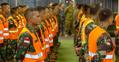 Engineers from Tentara Nasional Indonesia – Indonesia's national armed forces – are welcomed at RAAF Base Richmond in support of Operation Bushfire Assist. Photo by Corporal Dan Pinhorn.