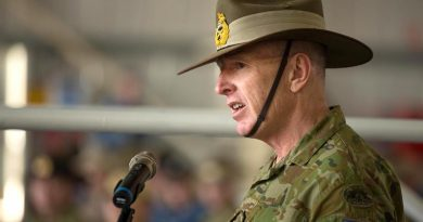 Then Major General [now Lieutenant General] John Frewen addresses deployed personnel in the Middle East. Photo by WO2 Neil Ruskin.