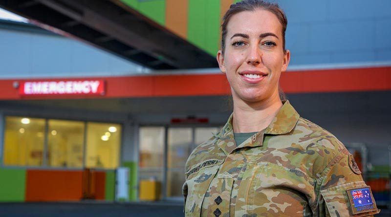 Australian Army nursing officer Lieutenant Celie Bright-Perry from 2nd General Health Battalion, outside the emergency department of the North West Regional Hospital in Burnie Tasmania during Operation COVID-19 Assist. Photo by Corporal Nicci Freeman.