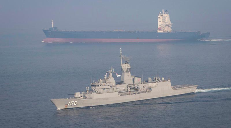 HMAS Toowoomba in the Southern Arabian Gulf on Operation Manitou. Photo by Leading Seaman Richard Cordell.